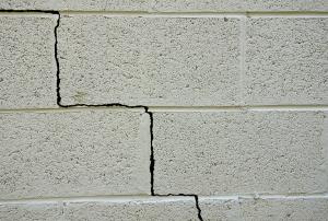 staircase cracks